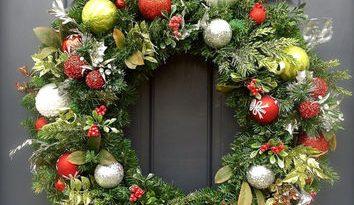 christmas-wreath-front-door