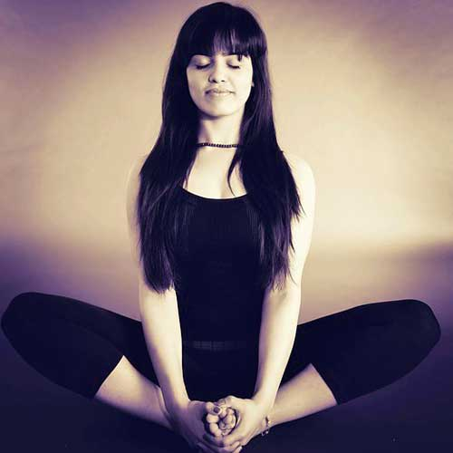 How To Meditate At Home For Relaxing Christmas Holiday Season