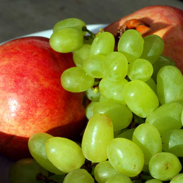 Healthy Snack Apples Grapes Weight Loss During Christmas Holidays
